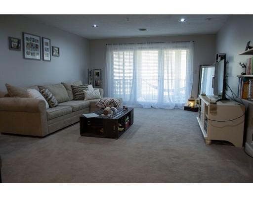 Частный односемейный дом для того Аренда на 2 Mayfair Lane Nashua, Нью-Гэмпшир 03063 Соединенные Штаты