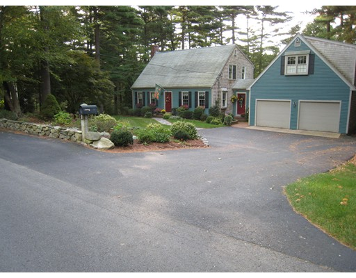 独户住宅 为 出租 在 93 East Street Hanover, 马萨诸塞州 02339 美国
