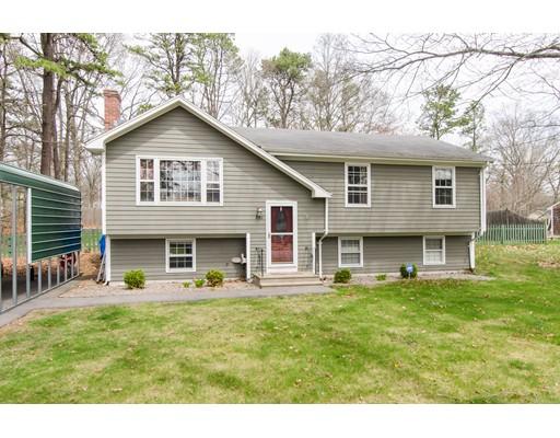 Частный односемейный дом для того Продажа на 868 Read Street Attleboro, Массачусетс 02703 Соединенные Штаты