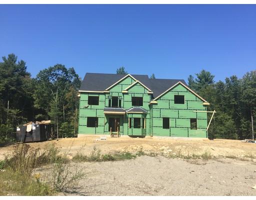 Maison unifamiliale pour l Vente à 2 West Acton Road Stow, Massachusetts 01775 États-Unis