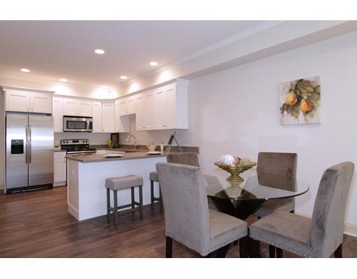 Casa Unifamiliar por un Alquiler en 724 Washington Street Stoughton, Massachusetts 02072 Estados Unidos