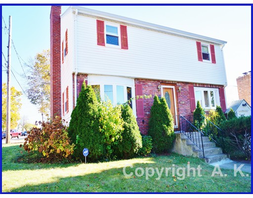 Additional photo for property listing at 195 CHAPMAN STREET  Watertown, Massachusetts 02472 United States