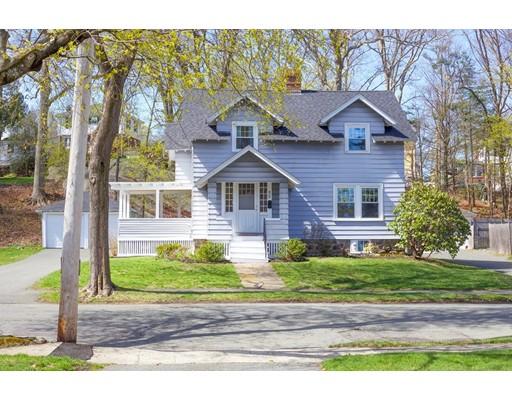 Частный односемейный дом для того Продажа на 24 Bertram Street Beverly, Массачусетс 01915 Соединенные Штаты