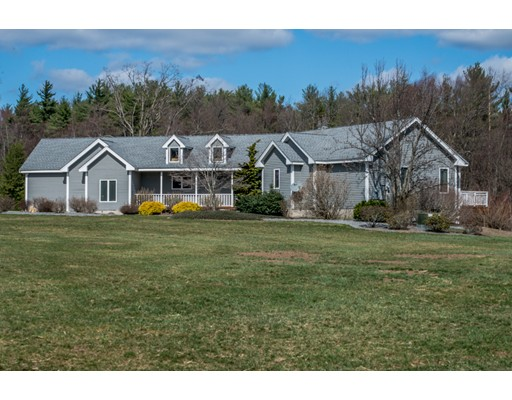 Casa Unifamiliar por un Venta en 153 Wallace Hill Road Townsend, Massachusetts 01469 Estados Unidos