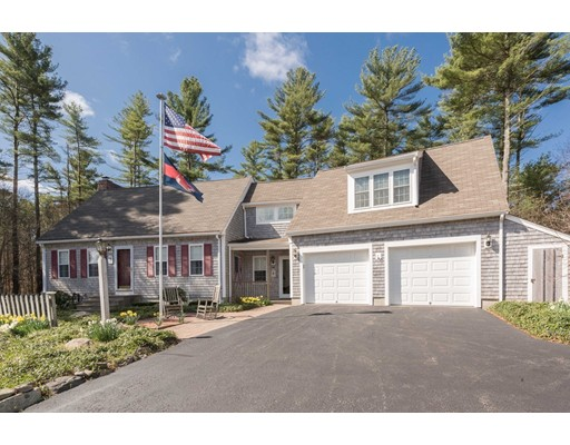 Single Family Home for Sale at 4 Emerson Road Lakeville, Massachusetts 02347 United States