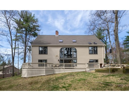 واحد منزل الأسرة للـ Sale في 9 Treetops Lane Danvers, Massachusetts 01923 United States