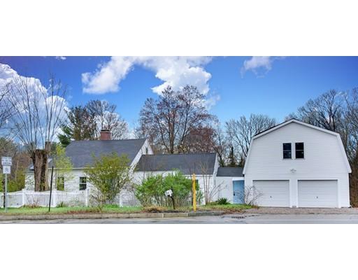 Maison unifamiliale pour l Vente à 1068 S Main Street Bellingham, Massachusetts 02019 États-Unis