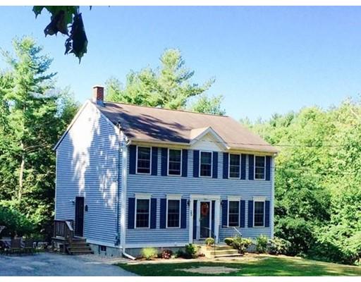 Maison unifamiliale pour l Vente à 25 French Road Templeton, Massachusetts 01468 États-Unis
