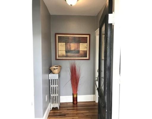 独户住宅 为 出租 在 8 Cedar Street Everett, 02149 美国