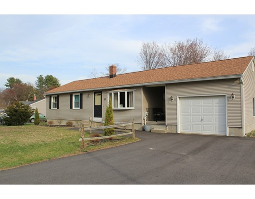 Single Family Home for Sale at 33 Meadowbrook Drive Easthampton, Massachusetts 01027 United States