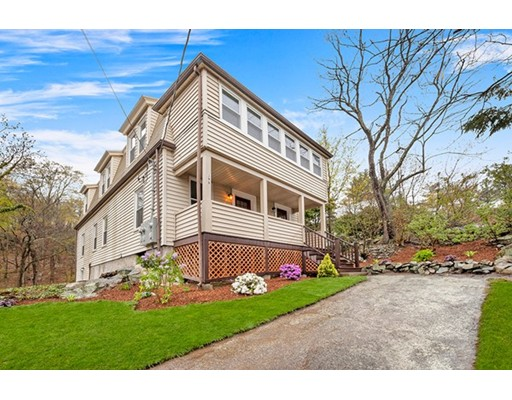 Casa Multifamiliar por un Venta en 198 Washington Street Melrose, Massachusetts 02176 Estados Unidos