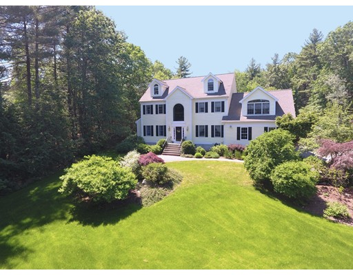 Single Family Home for Sale at 210 Pine Street Medfield, Massachusetts 02052 United States