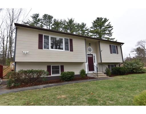 Maison unifamiliale pour l Vente à 10 Old South Road Orange, Massachusetts 01364 États-Unis
