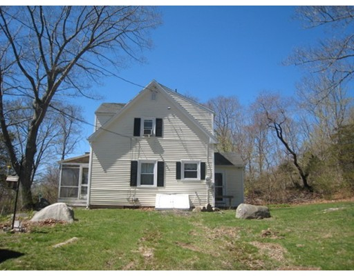 8 Youngs Rd, Gloucester, MA 01930