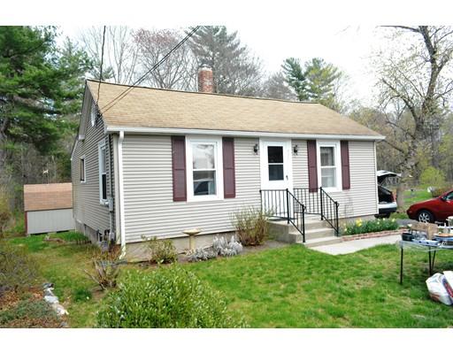 Частный односемейный дом для того Продажа на 451 Lindsey Street Attleboro, Массачусетс 02703 Соединенные Штаты