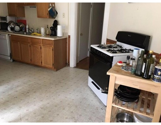 Additional photo for property listing at 1590 Cambridge Street  Cambridge, Massachusetts 02138 Estados Unidos