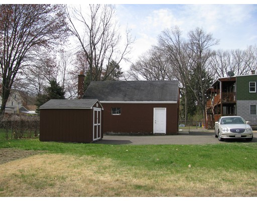 25 Quincy Ave, Chicopee, MA, 01020