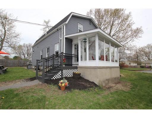 Частный односемейный дом для того Продажа на 52 Brown Street Attleboro, Массачусетс 02703 Соединенные Штаты