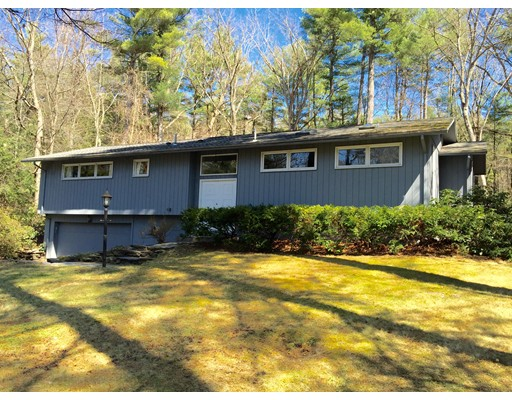 Single Family Home for Sale at 148 Aubinwood Road Amherst, Massachusetts 01002 United States