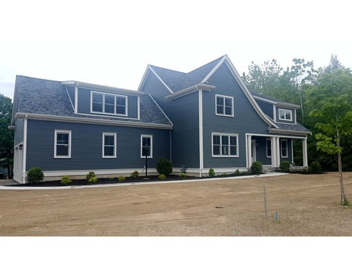 Частный односемейный дом для того Продажа на 8 Yonker Place Walpole, Массачусетс 02081 Соединенные Штаты