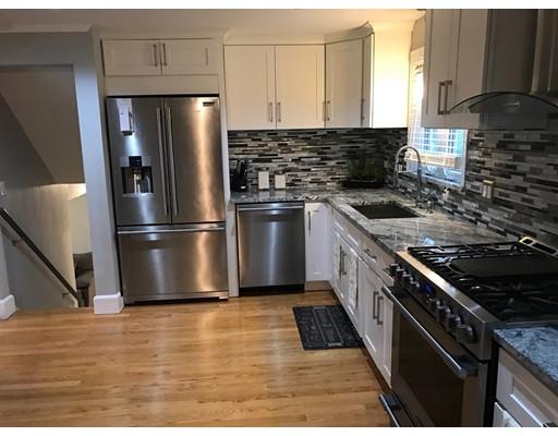 Casa Unifamiliar por un Venta en 4 Crawford Street Randolph, Massachusetts 02368 Estados Unidos