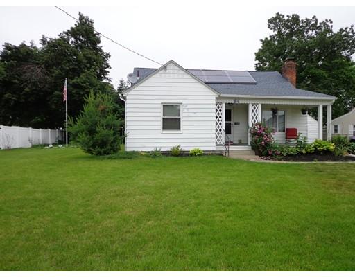 واحد منزل الأسرة للـ Sale في 84 Yale Street 84 Yale Street Ludlow, Massachusetts 01056 United States