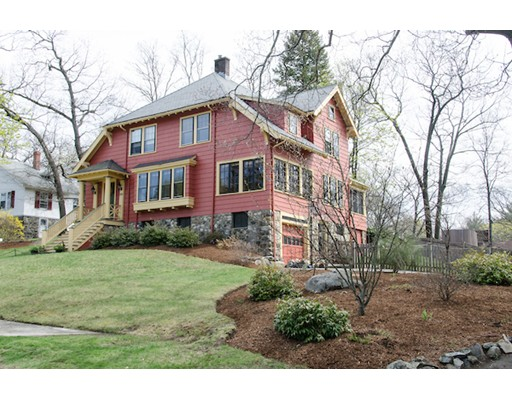 Casa Unifamiliar por un Venta en 346 W Emerson Street Melrose, Massachusetts 02176 Estados Unidos