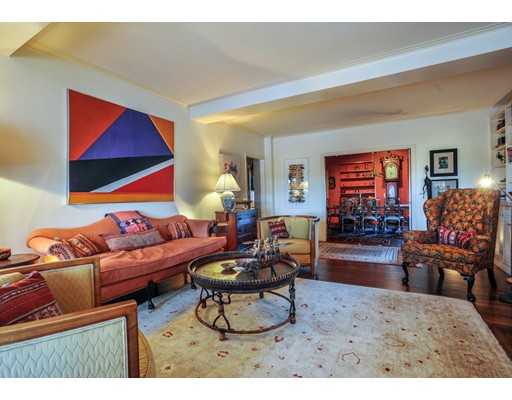 Additional photo for property listing at 987 Memorial Drive  Cambridge, Massachusetts 02138 Estados Unidos