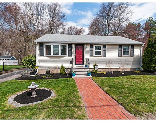 独户住宅 为 销售 在 26 Roseen Road Holbrook, 马萨诸塞州 02343 美国