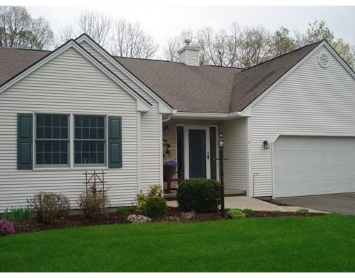 Appartement en copropriété pour l Vente à 7 Abbewood #7 Enfield, Connecticut 06082 États-Unis