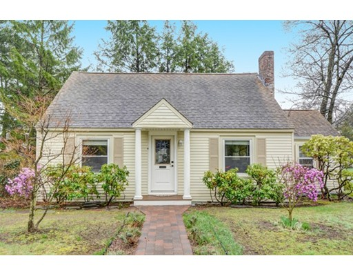 Single Family Home for Sale at 4 Abbott Road Natick, Massachusetts 01760 United States
