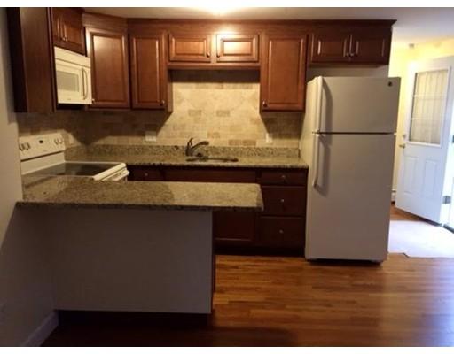 Casa Unifamiliar por un Alquiler en 33 Highland terrace Needham, Massachusetts 02492 Estados Unidos