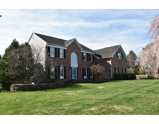 独户住宅 为 销售 在 223 Stow Road Marlborough, 马萨诸塞州 01752 美国