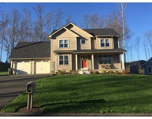 Maison unifamiliale pour l Vente à 12 Dogwood Drive Belchertown, Massachusetts 01007 États-Unis