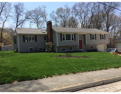Maison unifamiliale pour l Vente à 36 Overlook Drive Bellingham, Massachusetts 02019 États-Unis