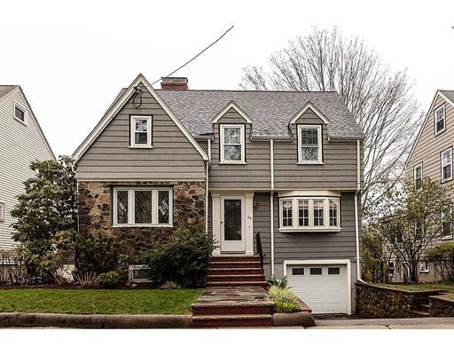 Maison unifamiliale pour l Vente à 23 Chester Street Arlington, Massachusetts 02476 États-Unis