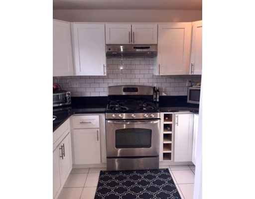 Additional photo for property listing at 25 Lennon Court  Boston, Massachusetts 02127 Estados Unidos