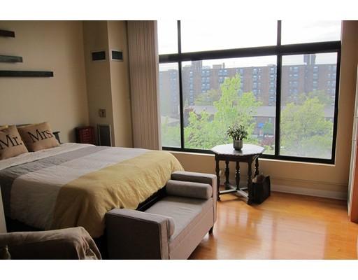 Additional photo for property listing at 70 Northampton  Boston, Massachusetts 02118 United States