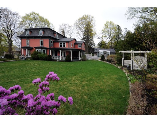 Single Family Home for Sale at 15 Lincoln Street Winchester, Massachusetts 01890 United States