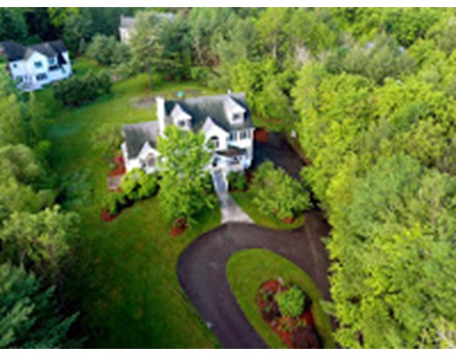 独户住宅 为 销售 在 30 HILLVIEW ROAD North Reading, 马萨诸塞州 01864 美国