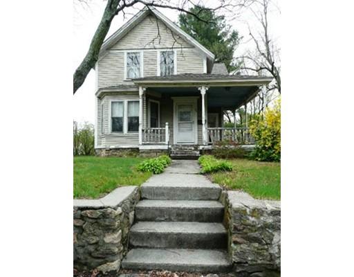 Maison unifamiliale pour l Vente à 121 S Main Street Bellingham, Massachusetts 02019 États-Unis