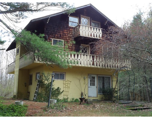 Casa Unifamiliar por un Venta en 427 Berkshire Trail Cummington, Massachusetts 01026 Estados Unidos