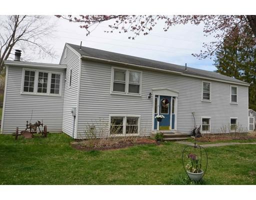 Maison unifamiliale pour l Vente à 9 Carriage Lane Amherst, Massachusetts 01002 États-Unis