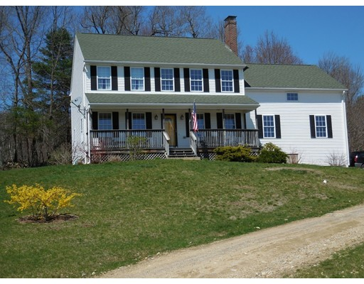 Maison unifamiliale pour l Vente à 22 Flagg Road Hubbardston, Massachusetts 01452 États-Unis