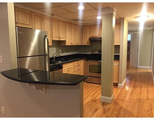 Casa Unifamiliar por un Alquiler en 11 Blackwood Boston, Massachusetts 02115 Estados Unidos
