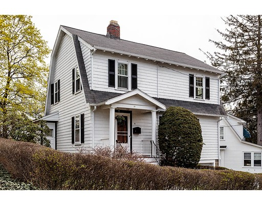 Casa Unifamiliar por un Venta en 71 Alpine Street Arlington, Massachusetts 02474 Estados Unidos