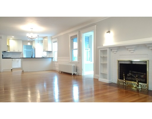 独户住宅 为 出租 在 15 Lewis Road 贝尔蒙, 马萨诸塞州 02478 美国