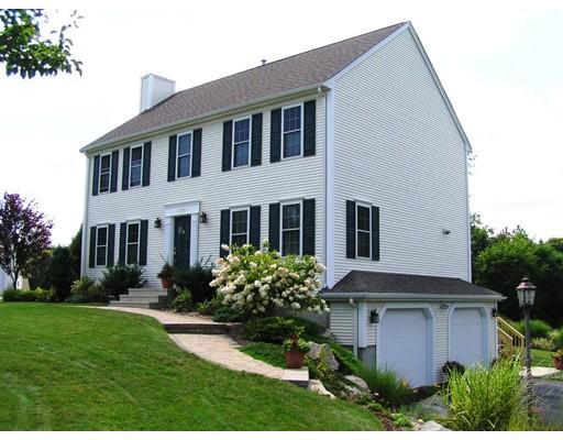 Casa Unifamiliar por un Venta en 520 Read Street Attleboro, Massachusetts 02703 Estados Unidos