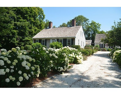 Casa Unifamiliar por un Venta en 866 main Street Barnstable, Massachusetts 02668 Estados Unidos
