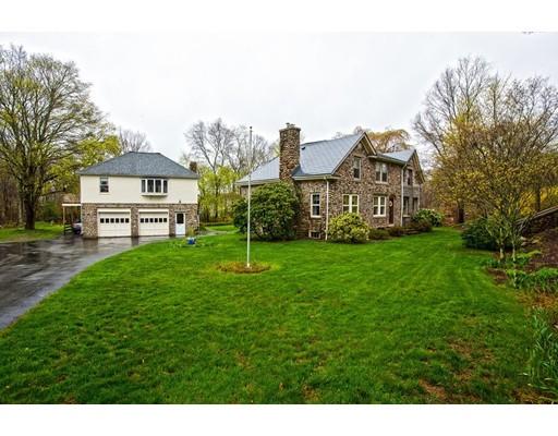 Casa Unifamiliar por un Venta en 242 Pike Avenue Attleboro, Massachusetts 02703 Estados Unidos
